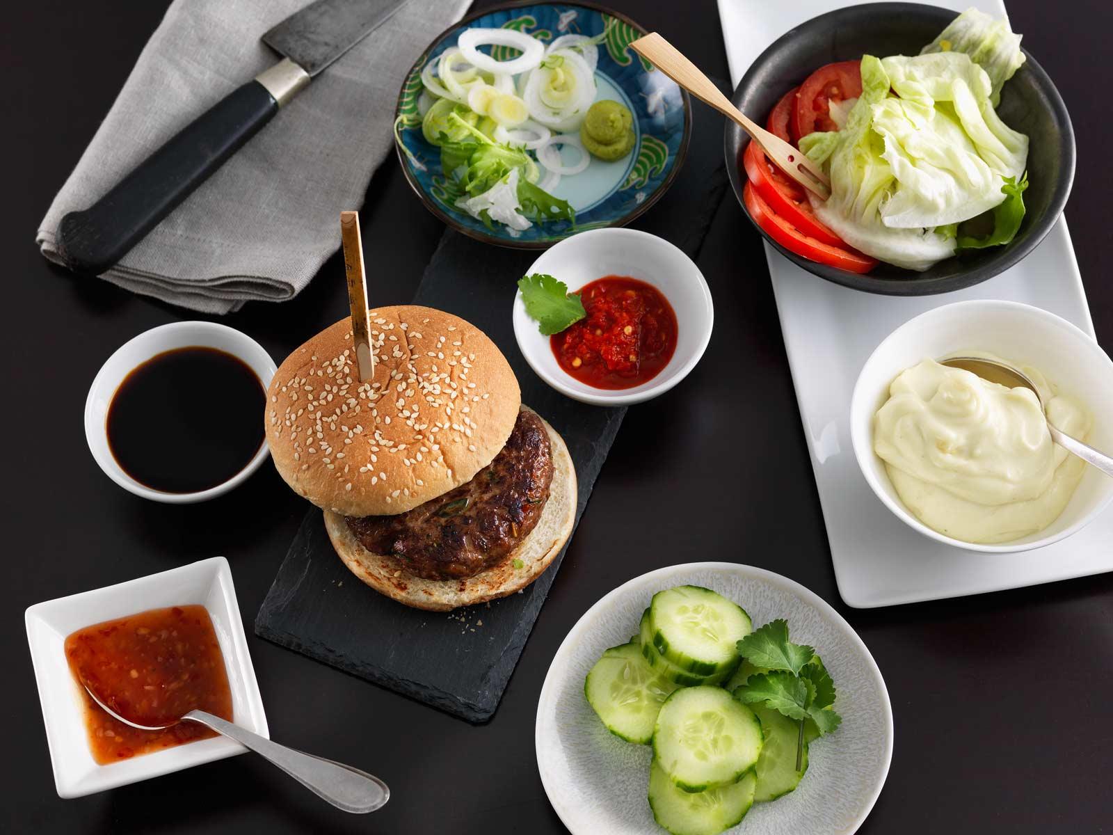 rezept des monats asia beef burger h. Black Bedroom Furniture Sets. Home Design Ideas