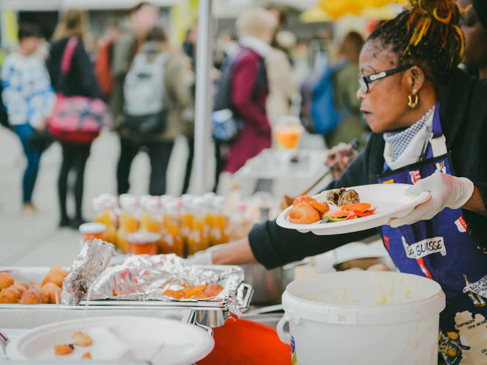 Der Lunch Market bietet ein vielfältiges Angebot an kulinarischen Köstlichkeiten.