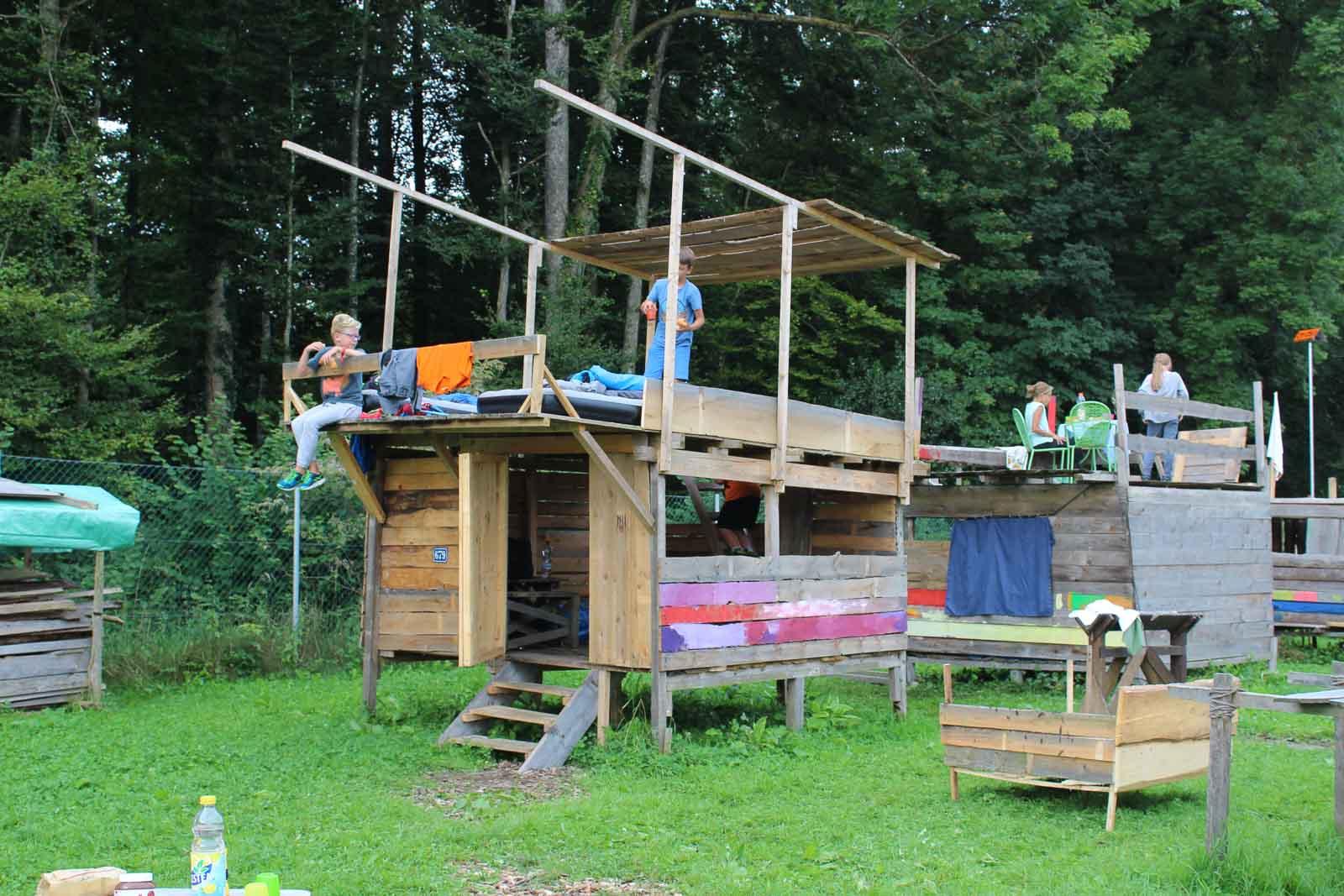 Kinder Übernachten in den Hütten