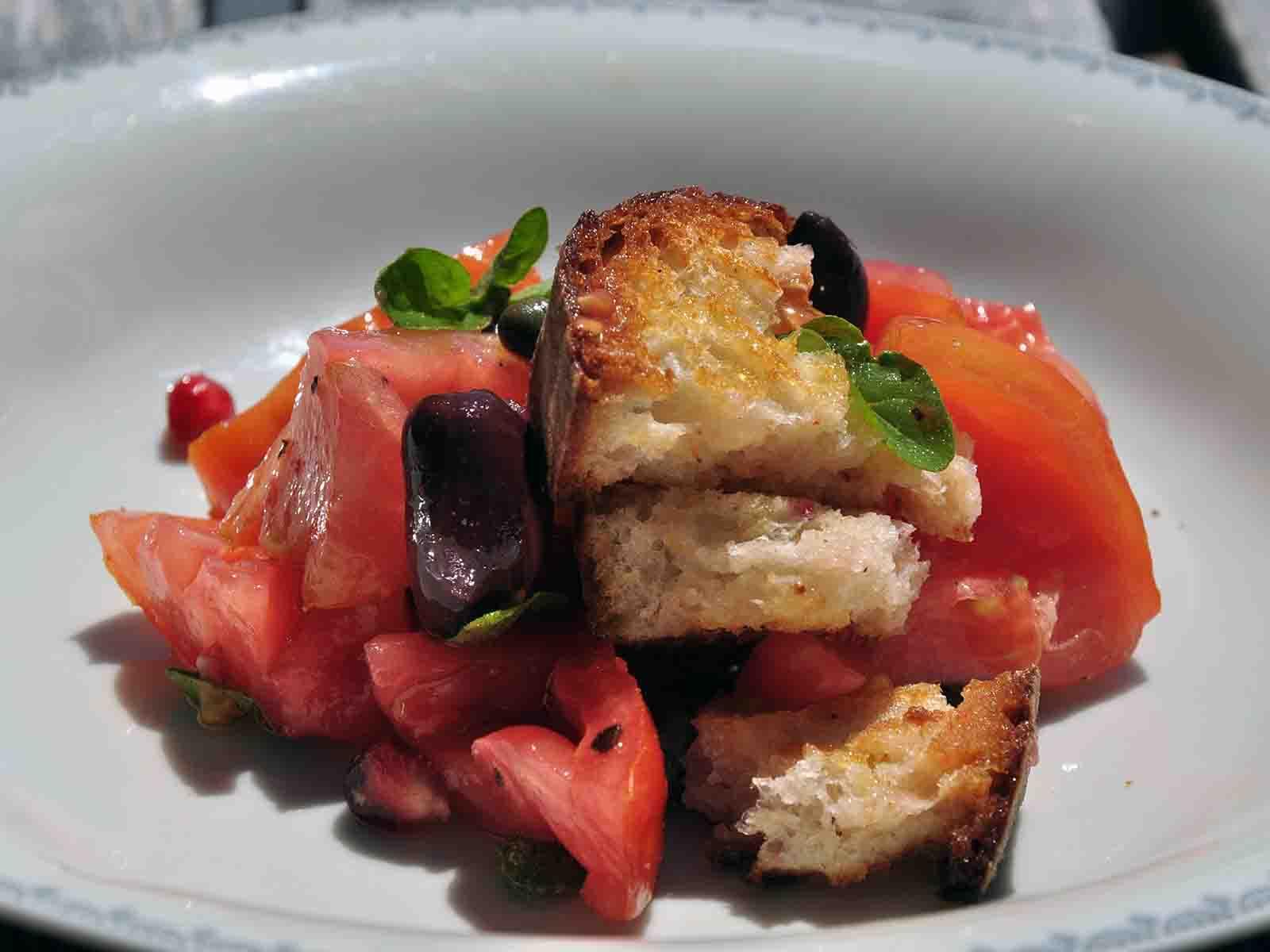 Italienischer Brotsalat nachgekocht.