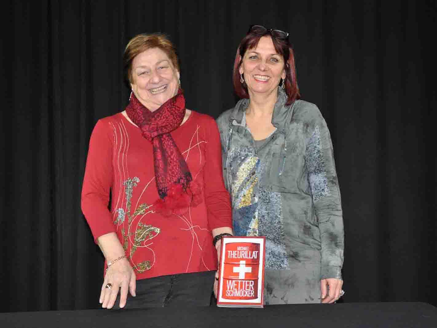 Brigitte Strähle und Iris Schmidt sprangen für den abwesenden Autor in die Bresche.