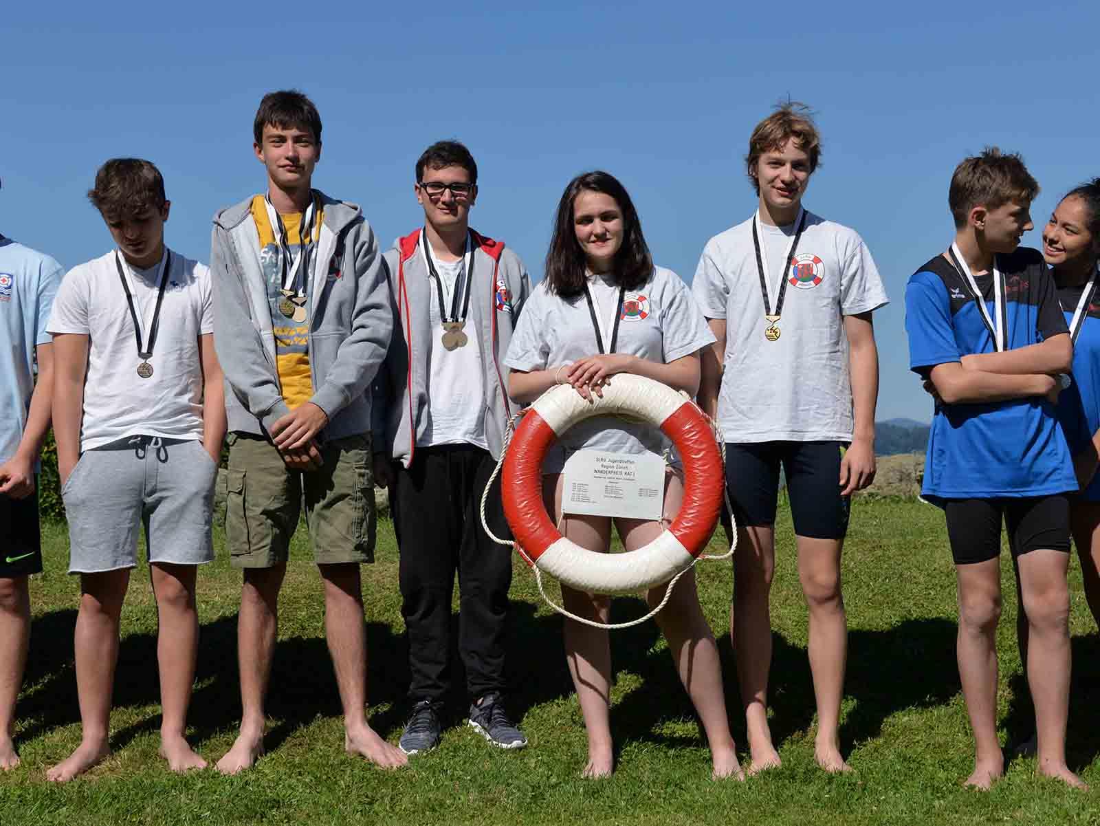 Die Höngger Goldkids erschwammen sich an den Regionalmeisterschaften den ersten Rang.