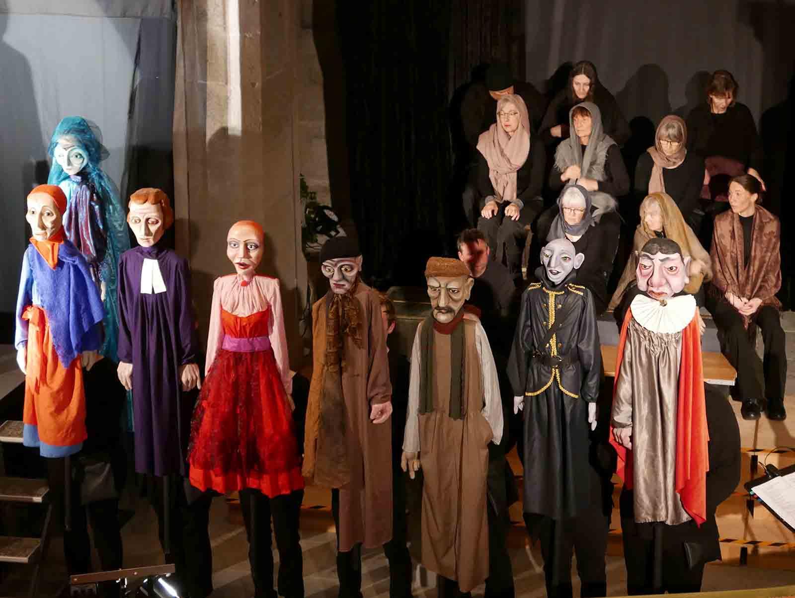 """Das Theaterstück """"Himmel und Höll"""" befasst sich mit den grossen Themen des Lebens."""