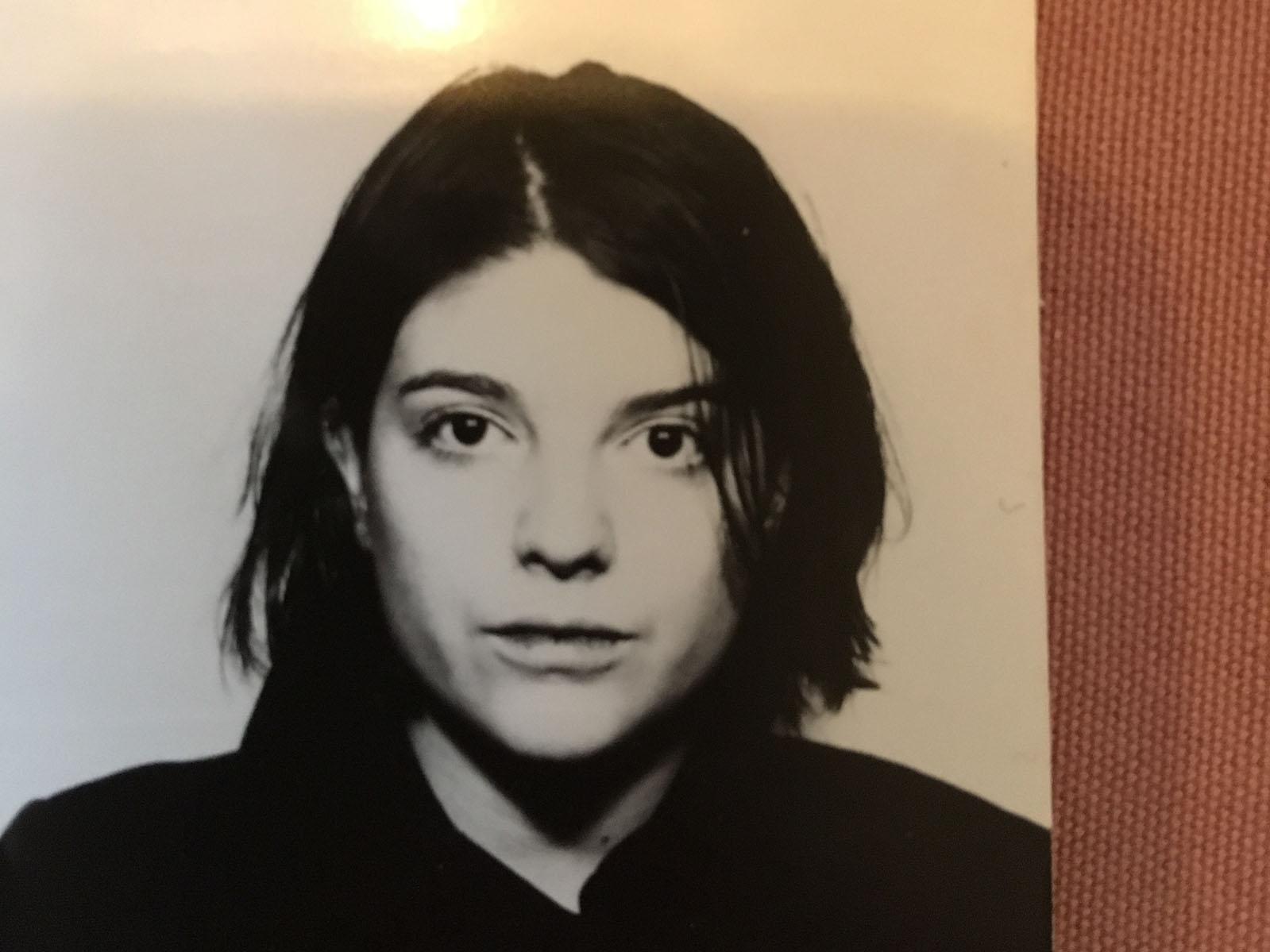 Die 90er Jahre waren hart. aber für 1 Stutz gabs 4 kultige Passfotos. 1997.