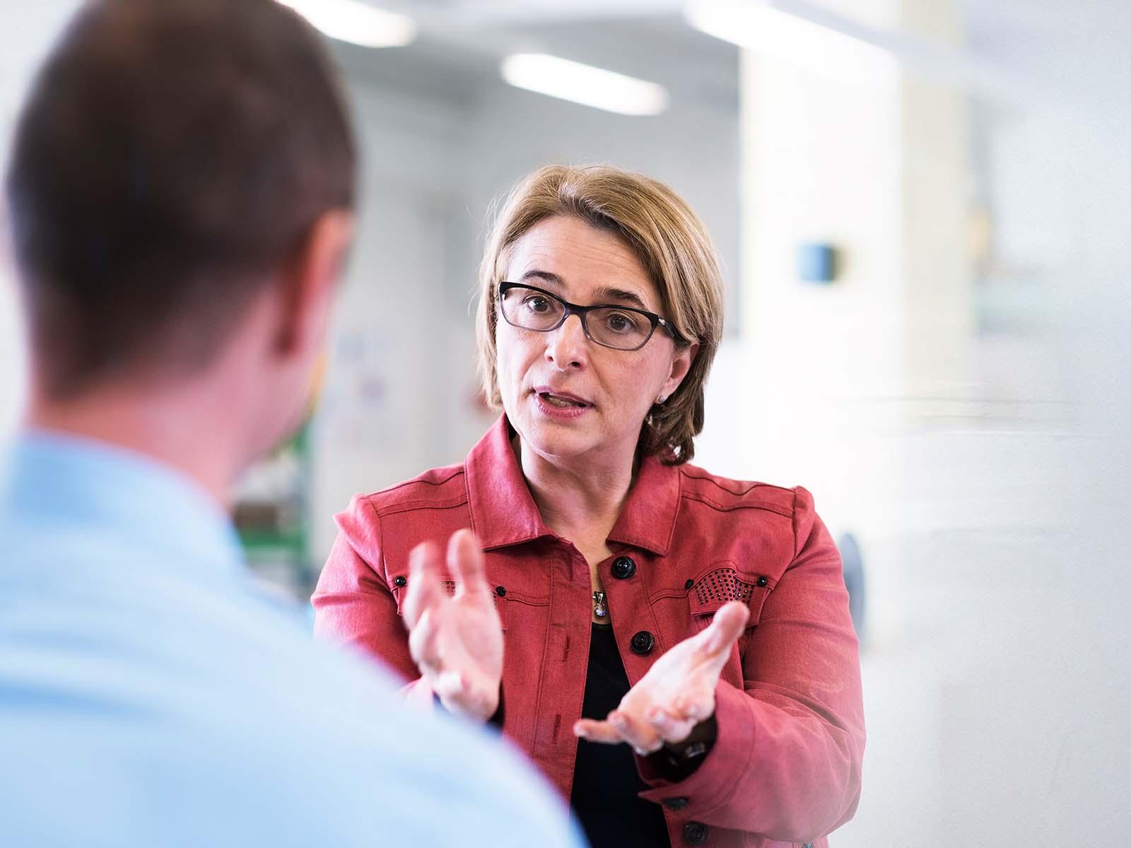 Rita Durschei, Geschäftsleiterin der ESPAS, im Gespräch.