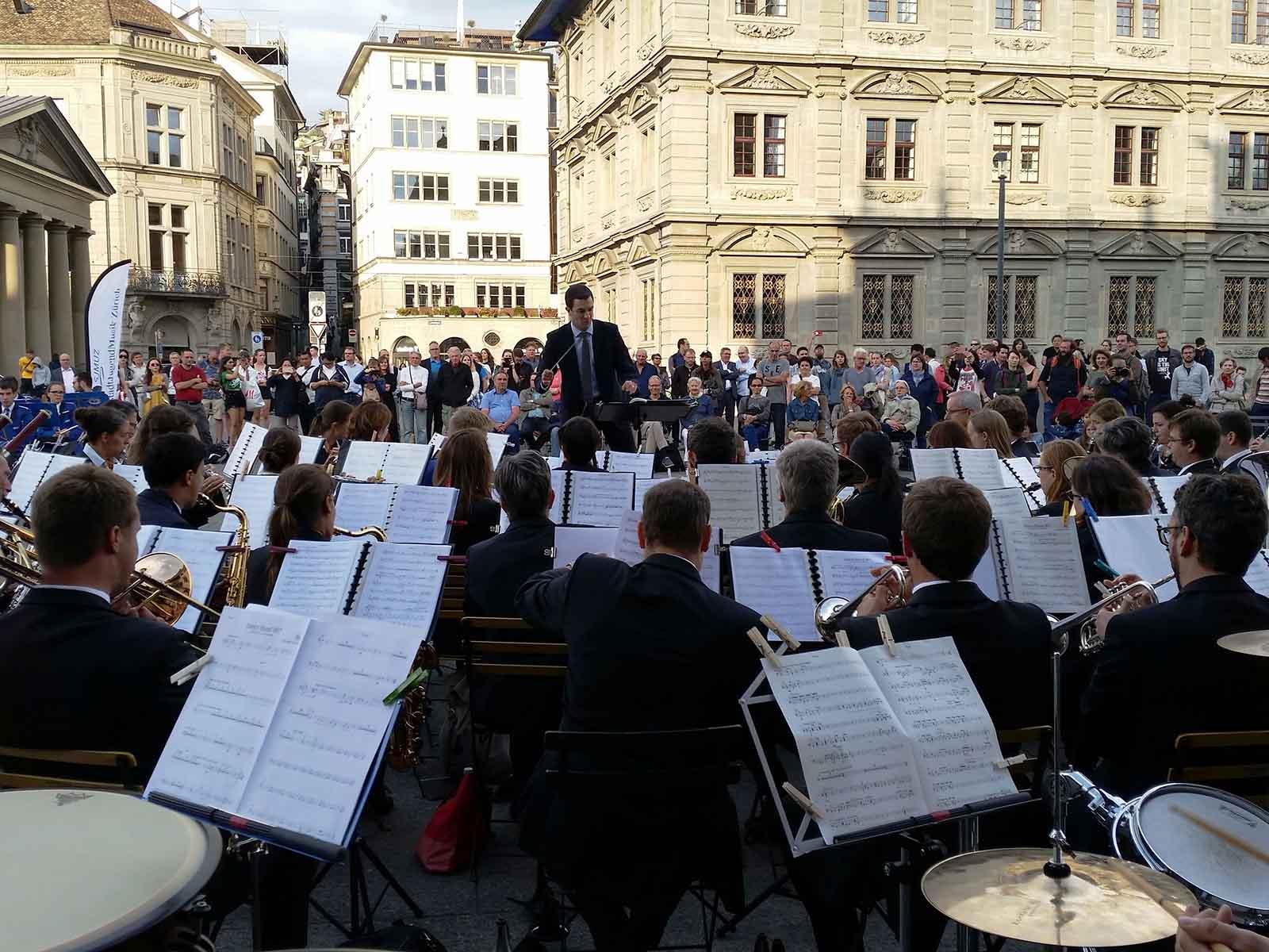 Der Musikverein Zürich-Höngg musiziert im Herzen Zürichs.