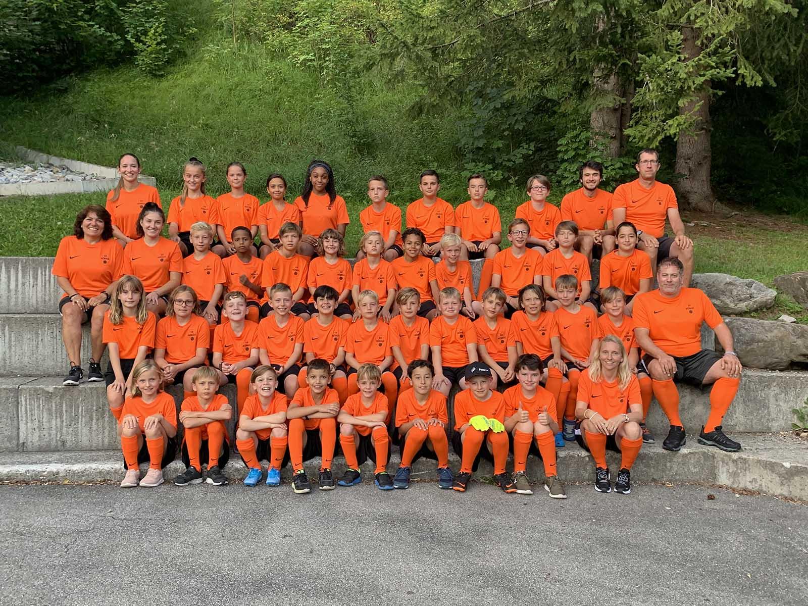 Die Juniorinnen und Junioren des SV Höngg reisten zum Sommerlager nach Lenk.