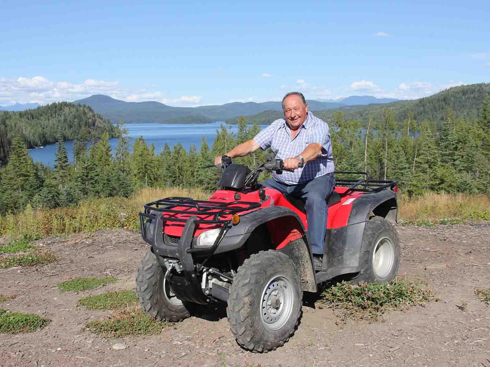Ernst Geering in Kanada bei einer seiner Lieblingsbeschäftigungen
