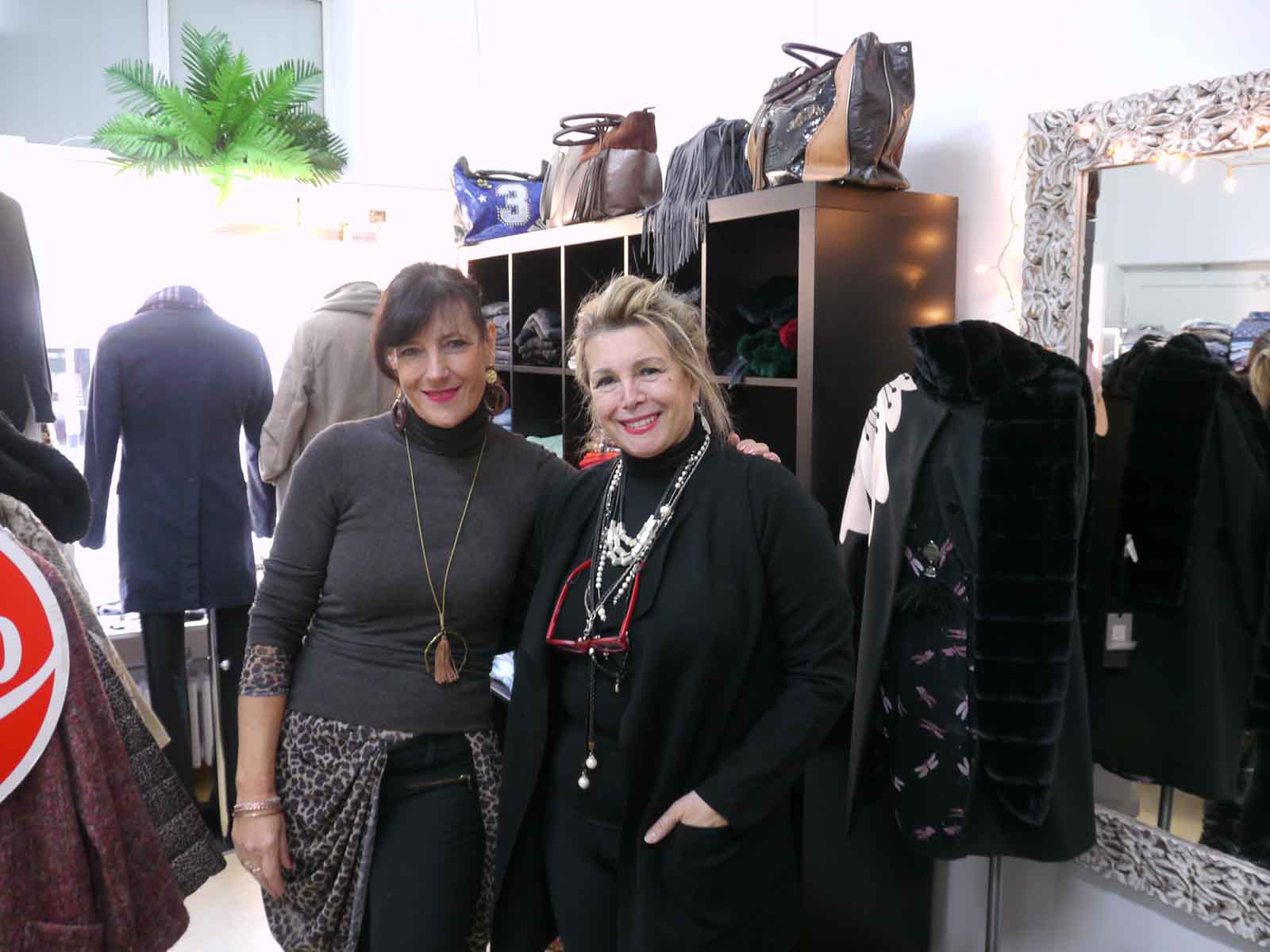 Francesca Cappello (r.), mit Assistentin Ursula Leiser