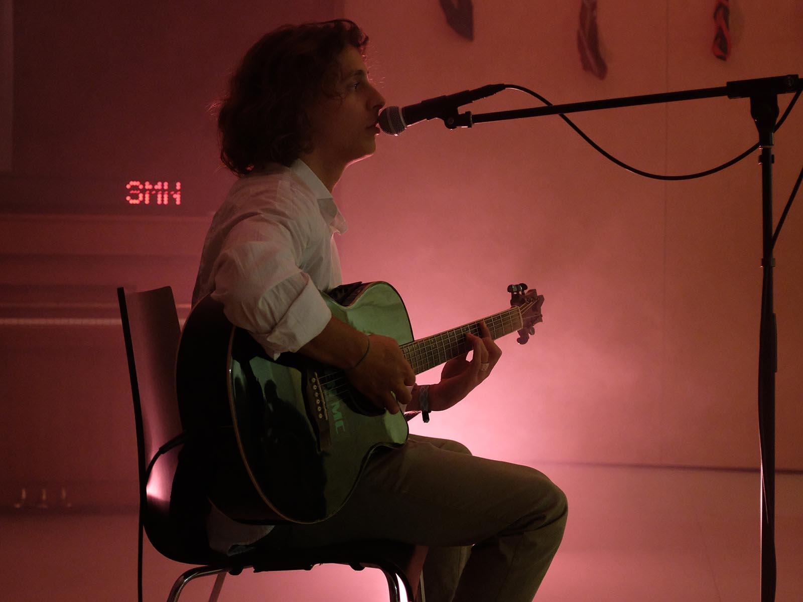 Ben McNamara alias Flipper präsentierte zwei Lieder seiner neu erschienen EP «First cut».