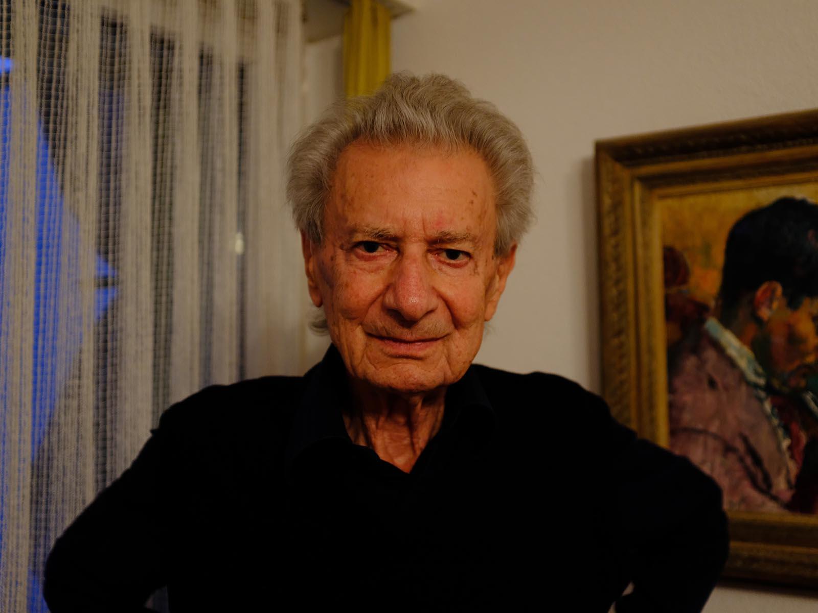 Claude Starck in seiner Wohnung in Höngg, wo er seit bald sechzig Jahren zu Hause ist.