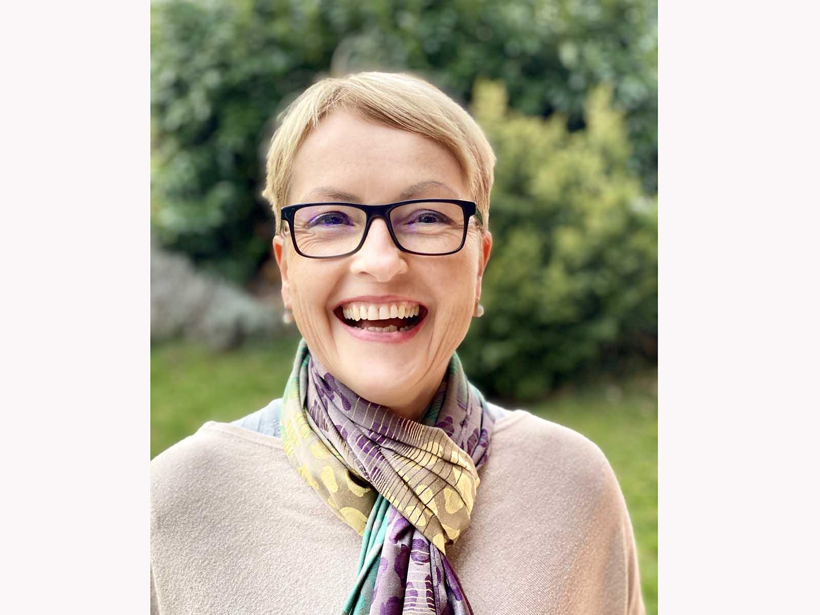 Petra Englands Markenzeichen: Ihr herzliches Lachen.