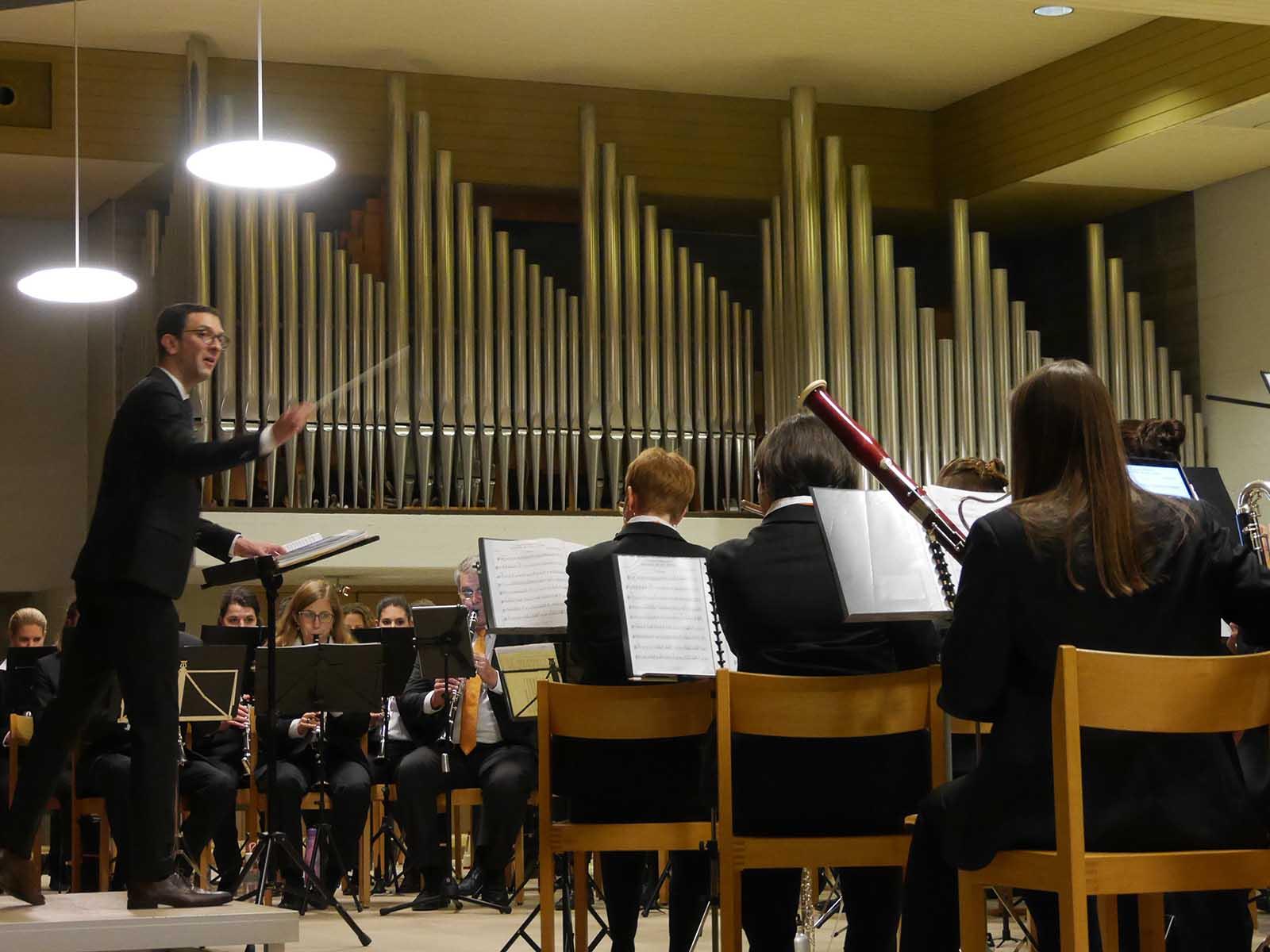 Geleitet wurde das Orchester von Dirigent Bernhard Meier.