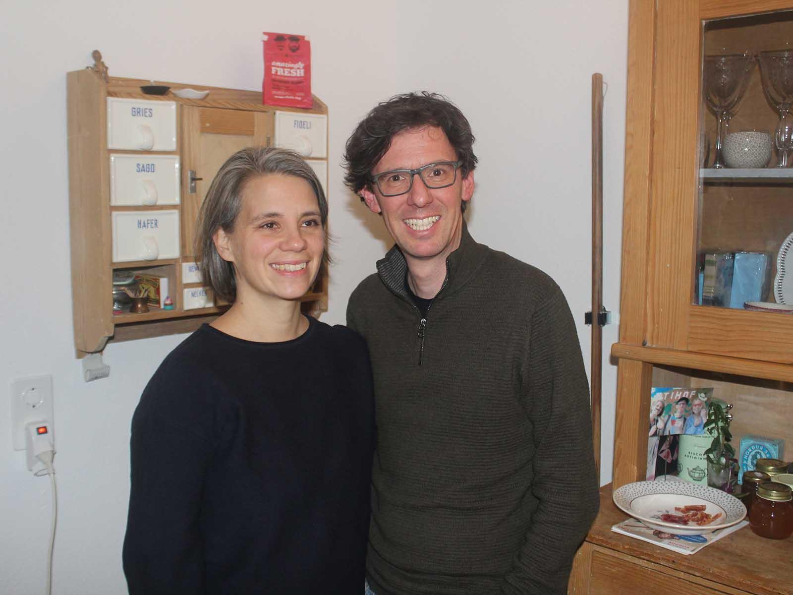 Ursina und Roman Zanelli Schweizer nehmen sich Zeit, um sich für ihre Nachbarschaft zu engagieren.