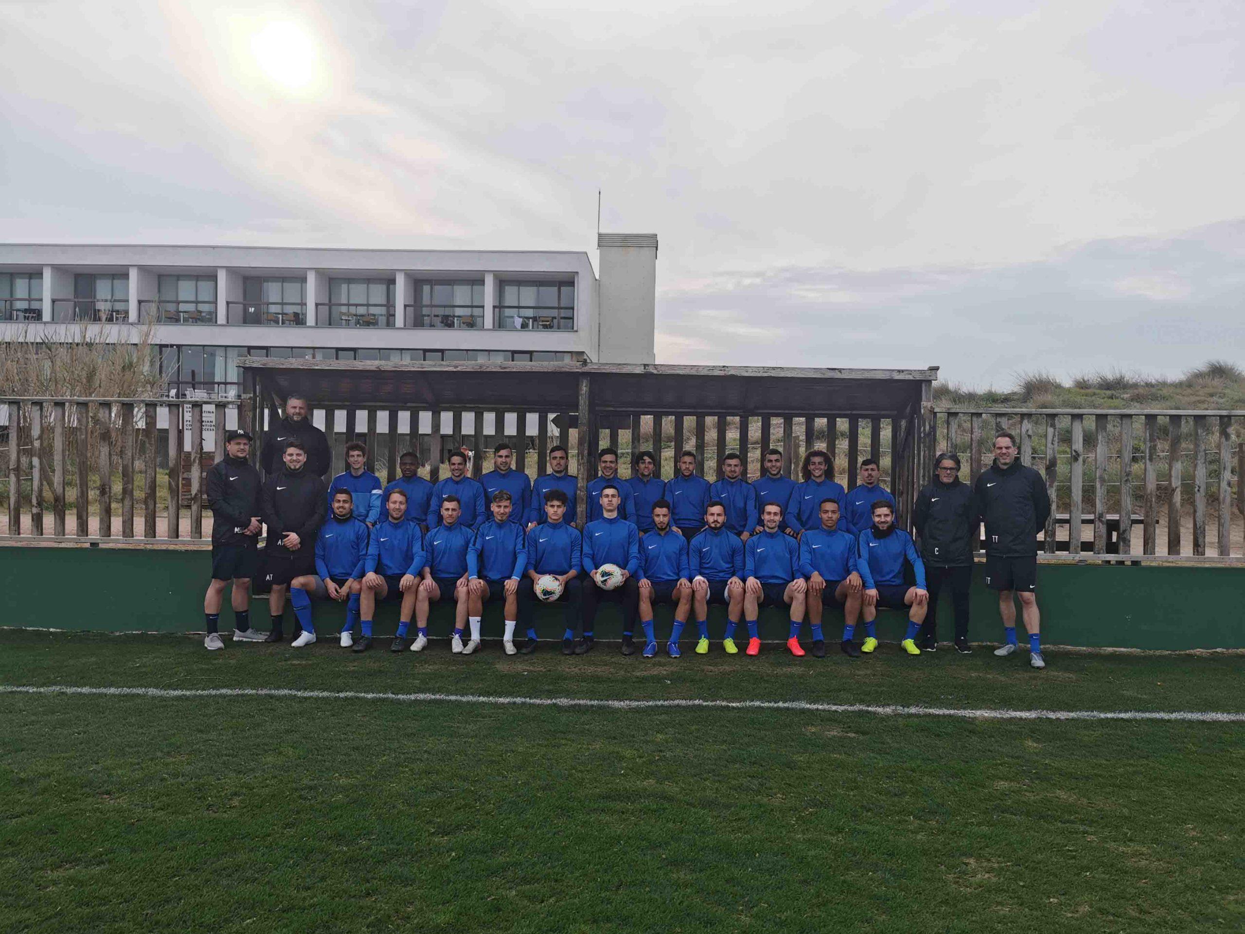 (Natur-)Rasenballsportgrüsse aus Valencia, 1. Mannschaft SV Höngg.