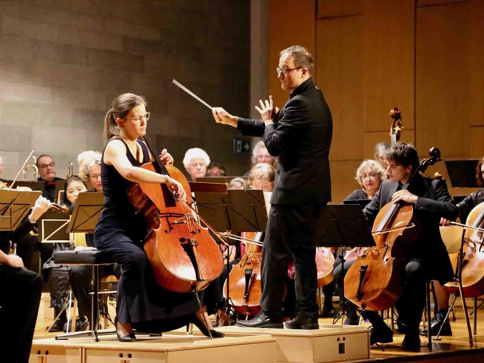 Die Winterthurer Cellistin Julia Pfenninger glänzte in Dvořáks Cello-Konzert mit der Sinfonietta Höngg.