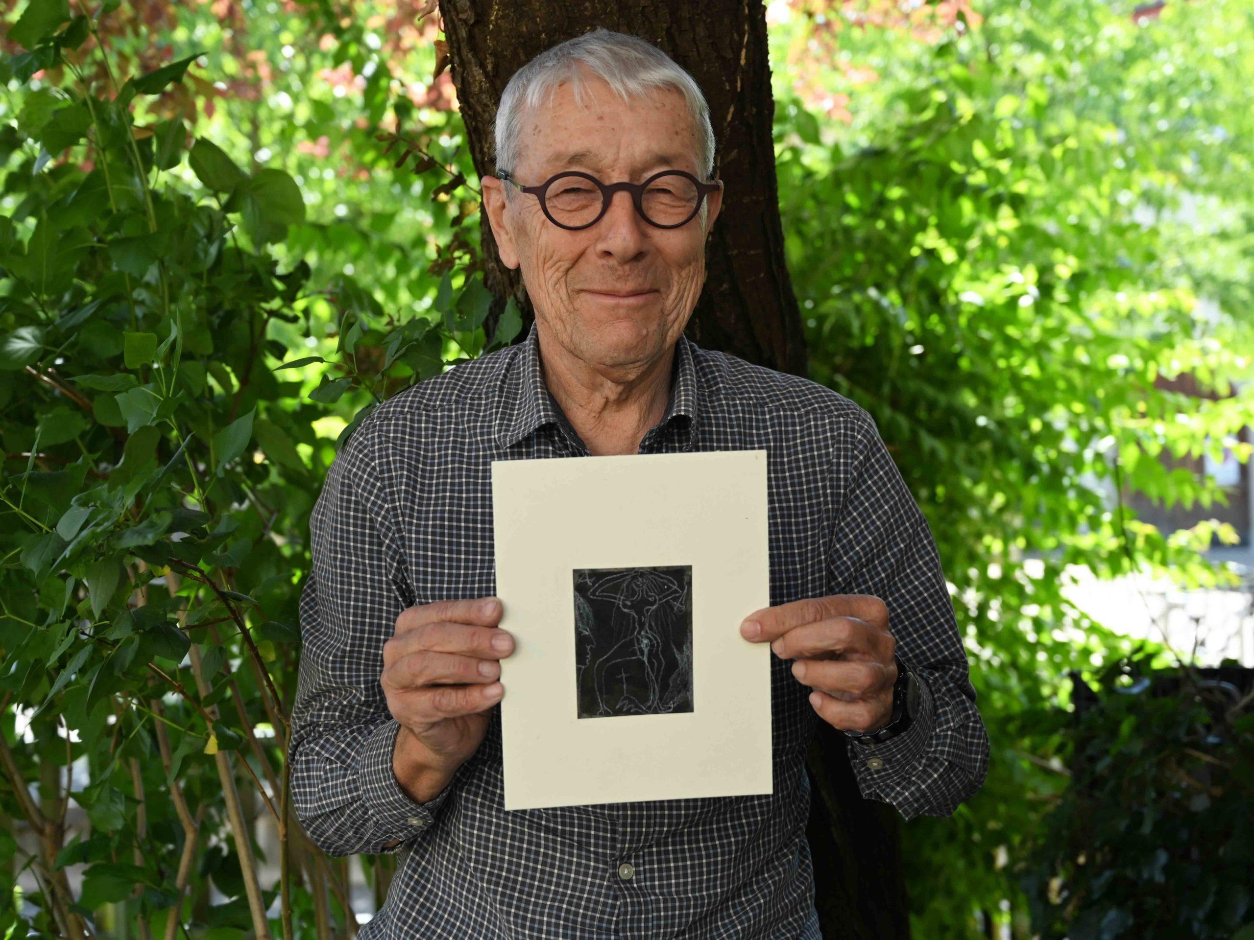 Stolzer Besitzer einer Original Naegeli Zeichnung: Architekt Marcel Knörr.