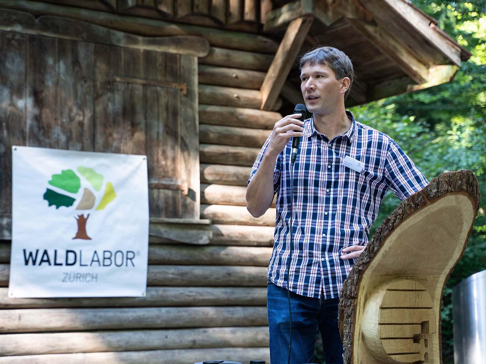 Martin Brüllhardt ist erster Geschäftsführer des Waldlabors Zürich.