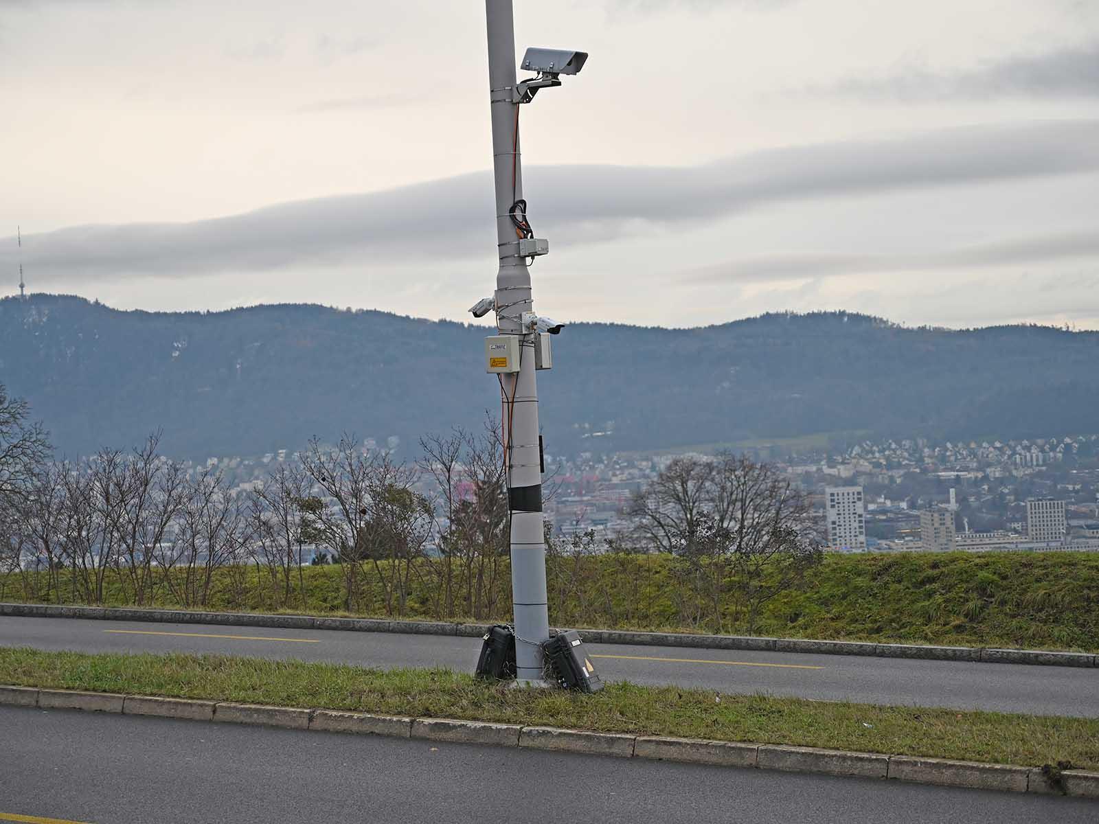 Die Videokameras sammeln Daten über Verkehrsmengen, -zusammensetzung und Pendlerverhalten während einer Pandemie.