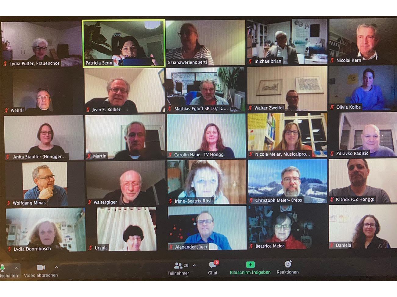 Die digitale Kommunikation hat auch Vorteile: Man kann allen Anwesenden ins Gesicht schauen.