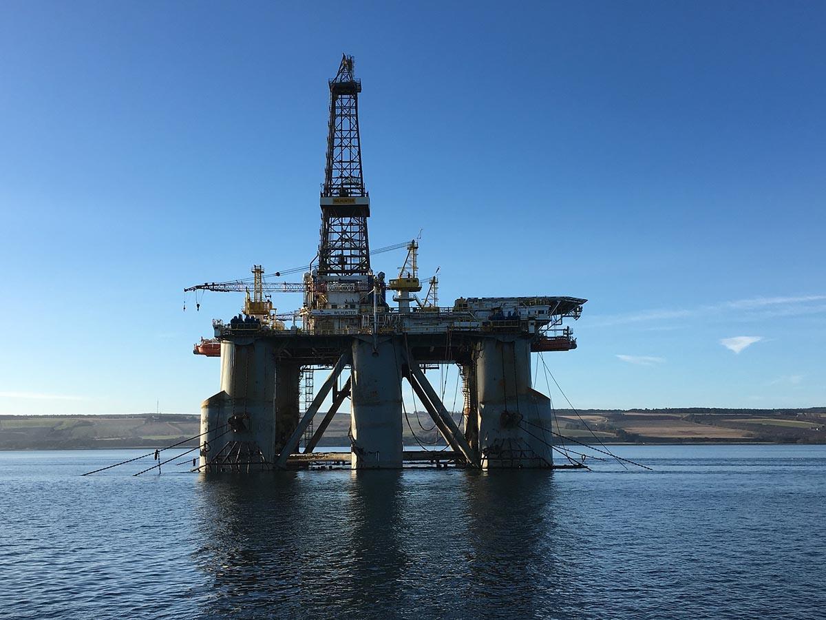 Der Grossteil der hierzulande konsumierten Energie stammt nach wie vor aus fossilen Energieträgern wie Erdöl.