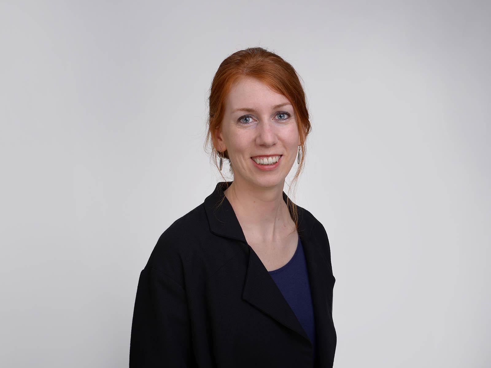 Zoe Stadler engagiert sich an mehreren Fronten für den Klimaschutz. Sie ist Präsidentin des Vereins Klimastadt Zürich sowie Teil der Kerngruppe von «Klimaspuren». Beruflich ist sie als Ingenieurin an der OST Ostschweizer Fachhochschule im Bereich Power-to-Gas tätig.