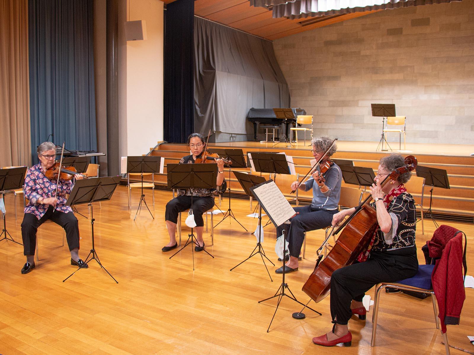 Während des Corona-Jahres formierten sich Musikerinnen der Sinfonietta Höngg zu Kammermusik-Ensembles.