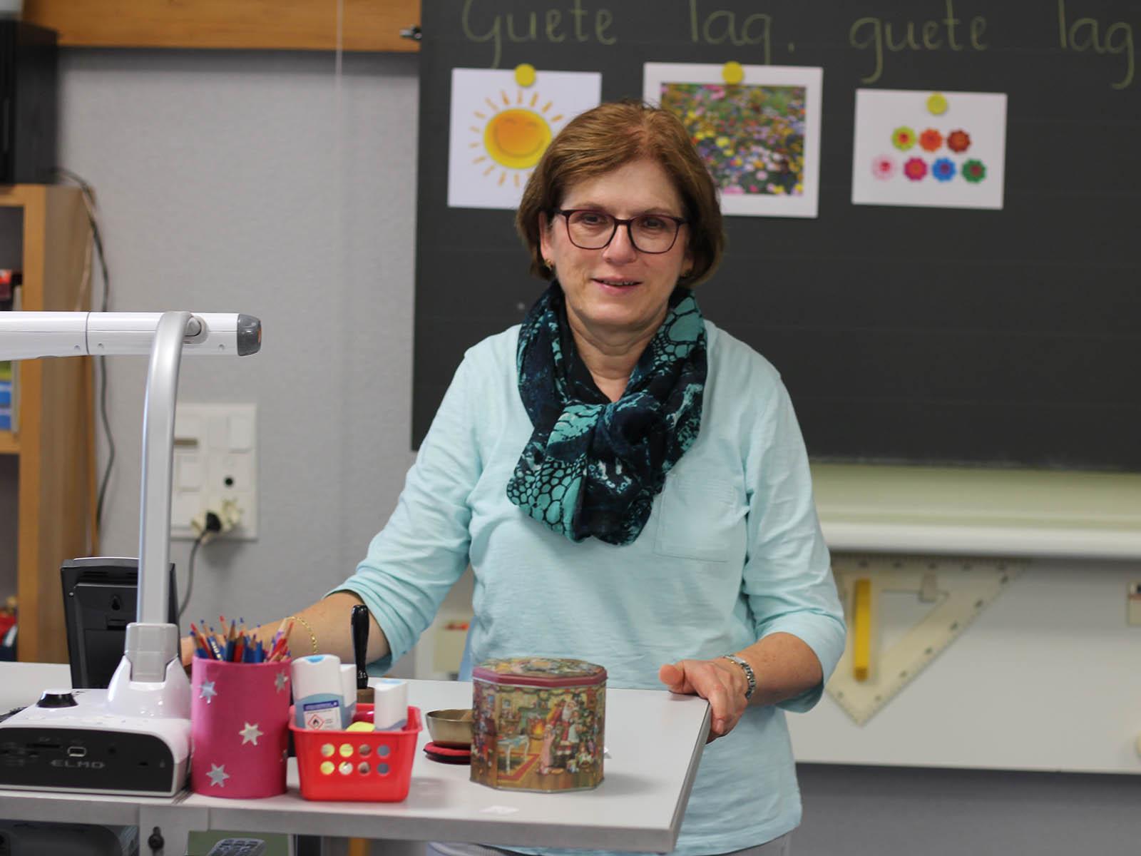Die nächsten drei Jahre mit der Klasse möchte sie noch einmal richtig geniessen: Ruth Stössel in ihrem Klassenzimmer.